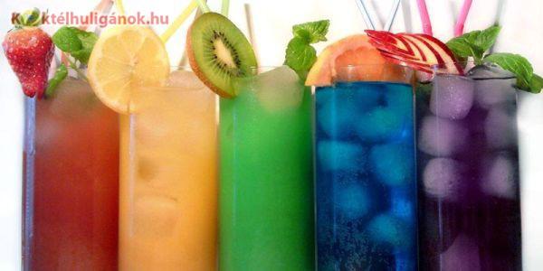 Színes gyümölcsös italok