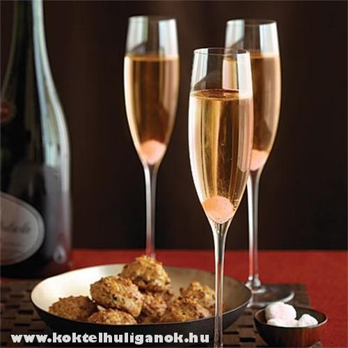 Champagne koktél