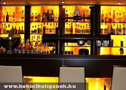 Elegáns bár