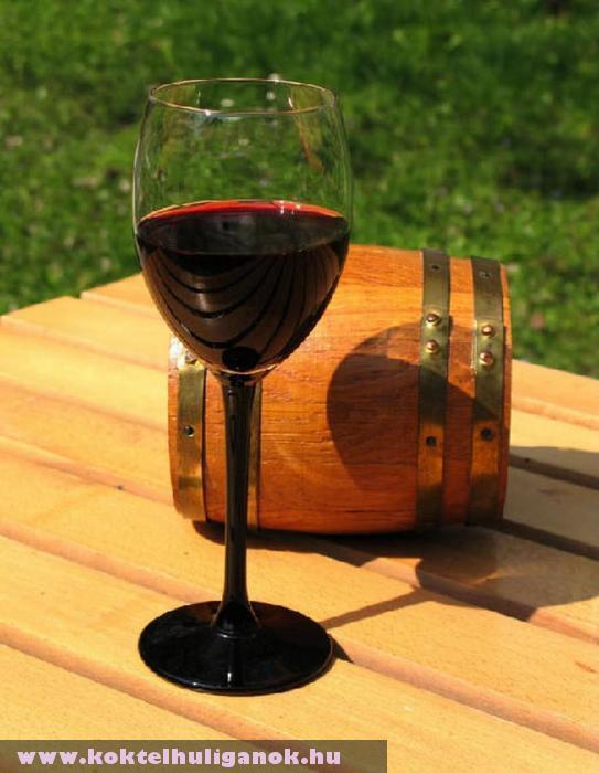 Egy pohár vörös bor