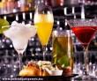 Egyszerû, finom alkoholos koktélok